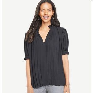NWT Ann Taylor Pleated Puff Sleeve Top Size Large
